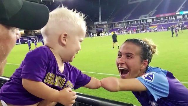 Soccer star, toddler share bond