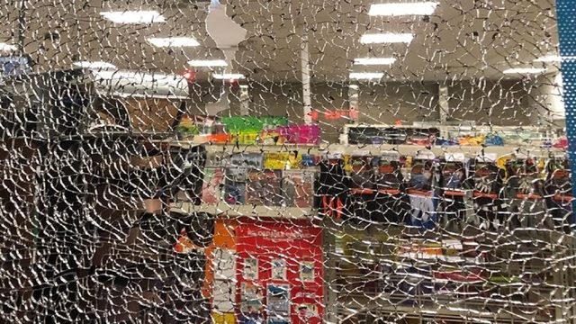 7-Eleven worker injured after shots fired into Lee Road store