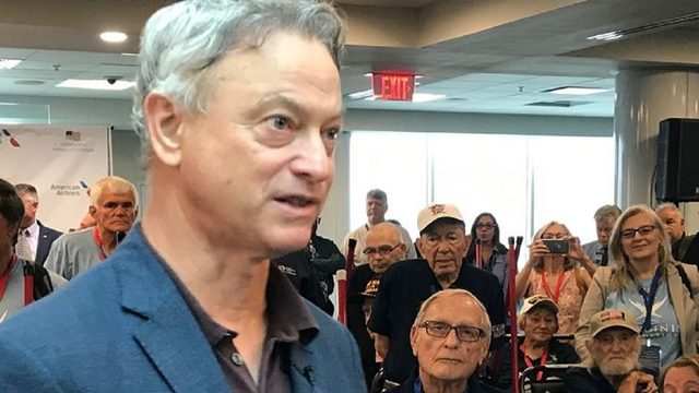 Actor Gary Sinise visits Orlando to sponsor trip for WWII veterans