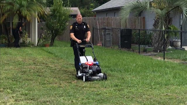'Lawn Order': Officers honored for '50 Yard Challenge'
