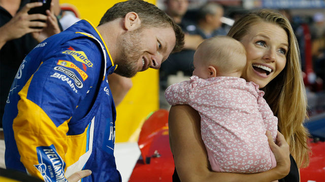 Dale Earnhardt Jr., family safe after plane crash in Tennessee