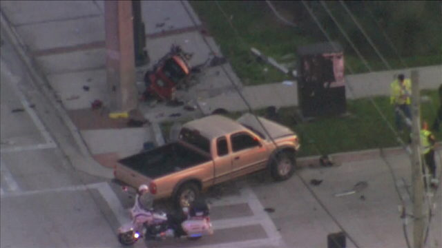Motorcyclist killed in crash with truck in Orlando
