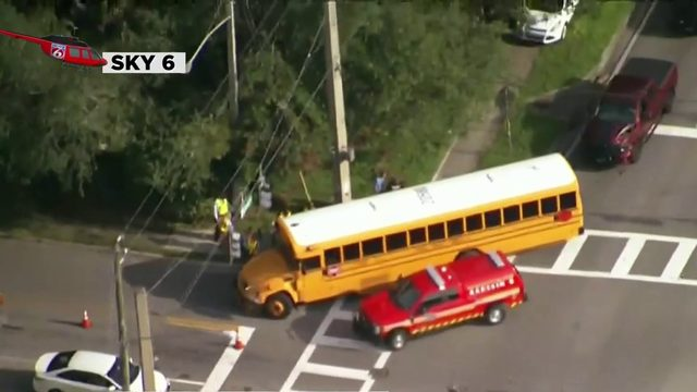 23 students on school bus hit by truck in Orange County