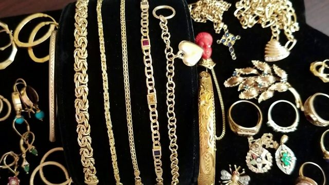Woman says $20,000 in jewelry stolen from her Orange County home