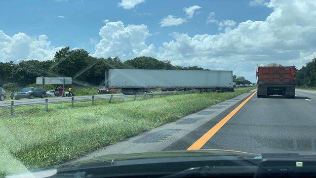 Jack-knifed semi halts traffic on SR 528 east in Orange County