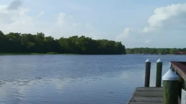 St. Johns River at flood warning status, Lake County issues no wake zone