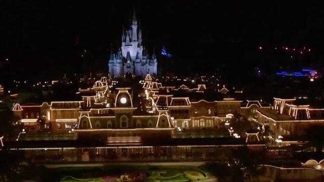 Disney guests on vacation monitor Hurricane Dorian