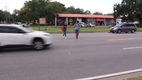Kissimmee residents say road without crosswalk is accident waiting to happen