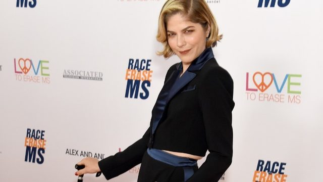 11 times Selma Blair made us want to hug her during her fight with…