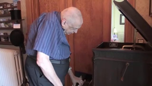Blind pianist discovers new-found fame