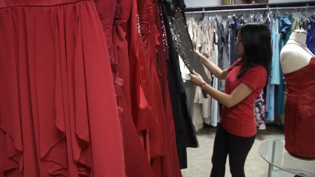 Students get free formal wear at Edgewater High boutique