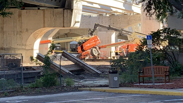 1 dead, 1 injured after beam struck two construction workers on I-4