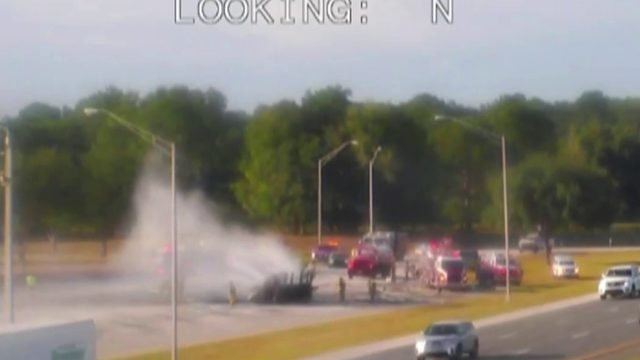 Crews respond to vehicle fire in Marion County