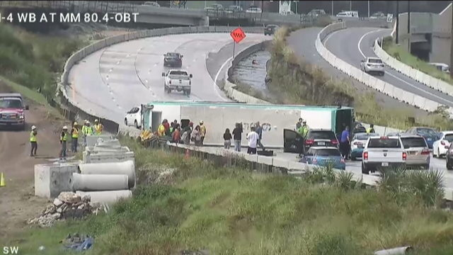 Lynx bus overturns on I-4 near OBT, 9 injured