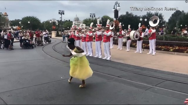 Adorable 8-year-old girl dances into spotlight at Magic Kingdom