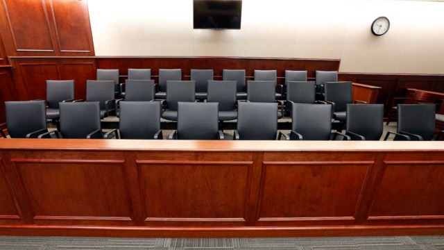 Report: Florida man who overslept gets jail time for missing jury duty