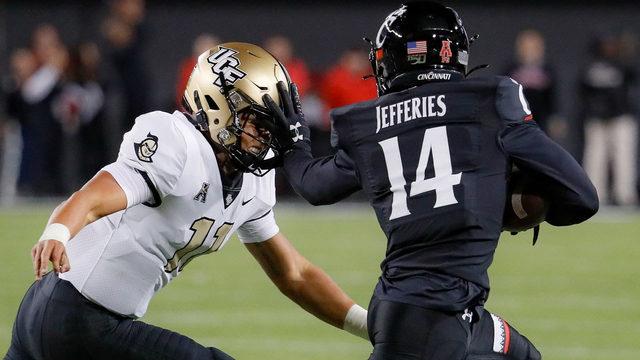 Bearcats defense forces 4 turnovers, Cincinnati defeats UCF 27-24
