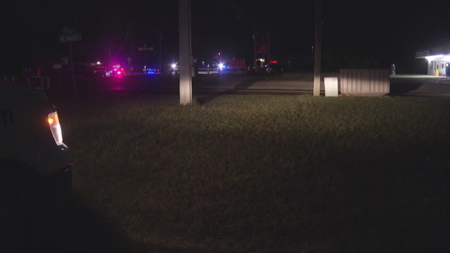 Pedestrian killed in Apopka crash, police say