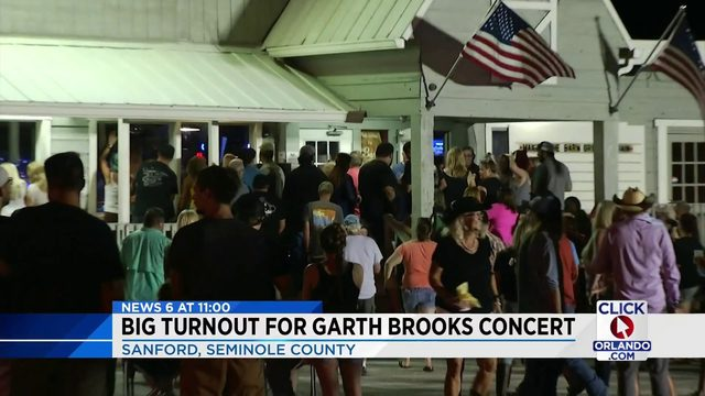 Garth Brooks in Sanford