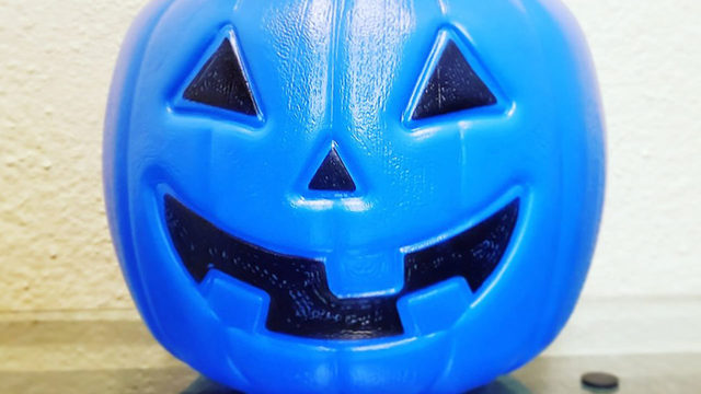 Mom's blue Halloween bucket post goes viral for autism awareness