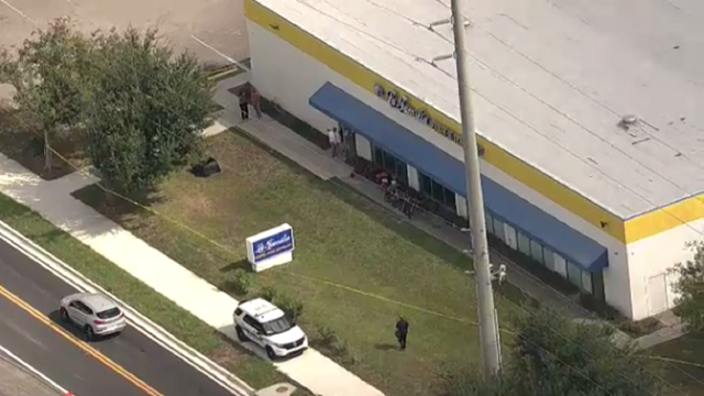 Pawn shop employee shot in arm during armed robbery, deputies say