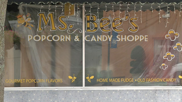 Winter Garden Popcorn shop still closed after roof collapse