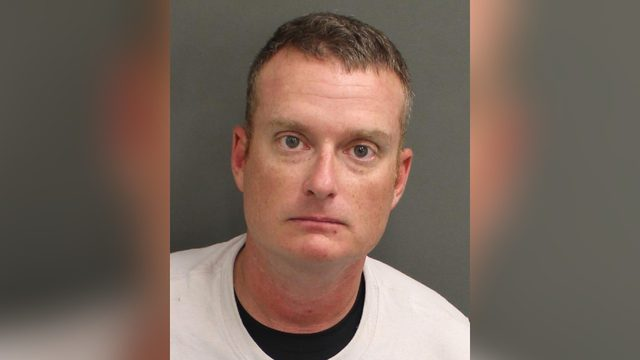 Man impersonating cop gets in fight with actual deputy, records show